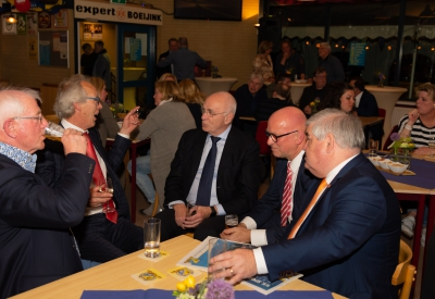 Michael van Praag , bondsvoorzitter KNVB bij 100 jaar Sportclub Lochem