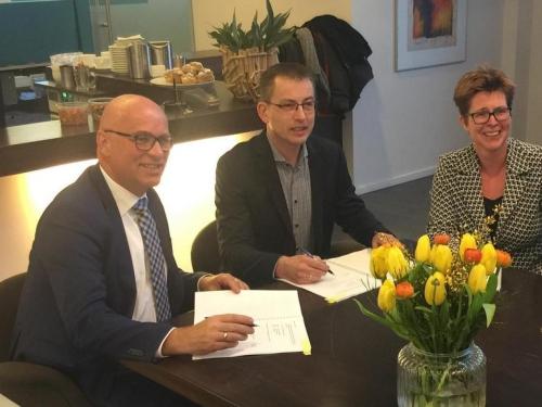 Ondertekening Contract IJsseldal Wonen - Eefting en Kreunen Bouw Lochem